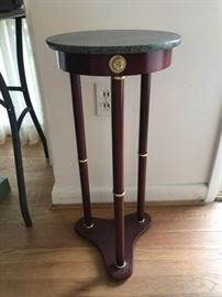 Accent table. Faux marble top. https://ctbids.com/#!/description/share/137351