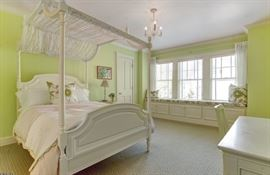 Pottery Barn Canopy Bed $450