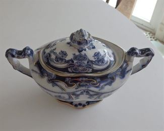 Royal Staffordshire Iris serving piece