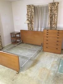 Beautiful 4 Piece Drexel Bedroom Suite