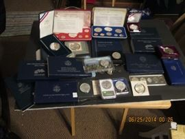 commemorative coin sets and individual commemorative coins