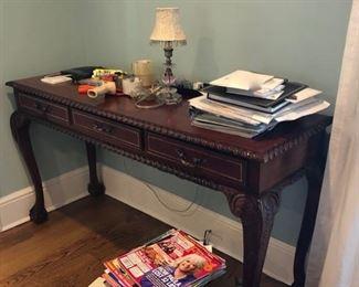Desks & side tables