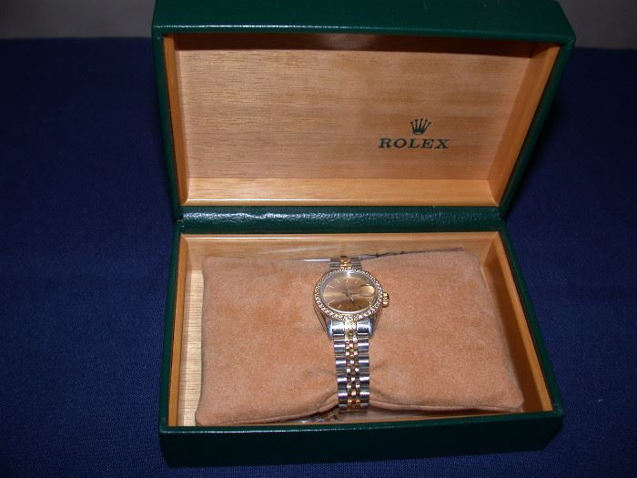 Lady's Oyster Rolex watch with box