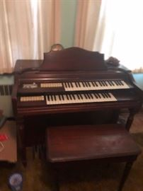 Wurlitzer Electric Organ - model 44.