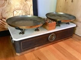 Victorian scale and box with brass weights