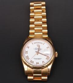 18K Rolex #118205 Presidential Men's Watch with Roman Numerals