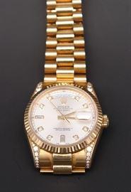 18K Rolex #118338 Presidential Men's Watch with Diamond on Hub