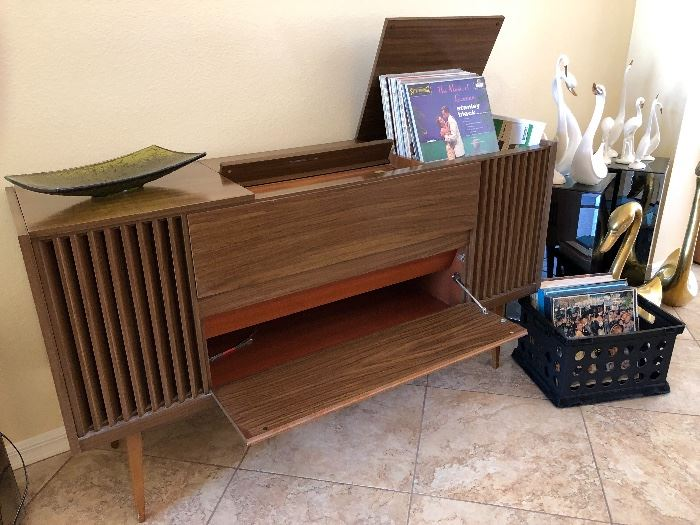 Mid-Century Grundig working console stereo with turntable - $750