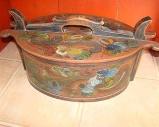 Tine Norwegian Rosemaling Folk Art Hand Painted Vintage Wooden Covered Box
