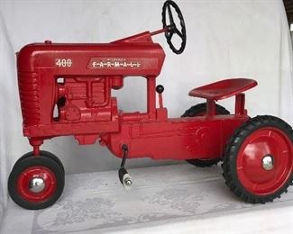 IH International Farmall Model 400 pedal tractor