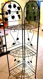 Folding wire corner shelf unit
