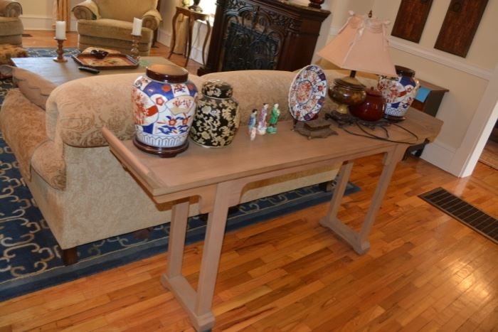 Asian style blonde console table, Asian Imari ginger jars and plate