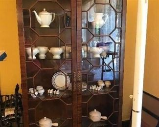 CHIP & DALE CHINA/CURIO CABINET
