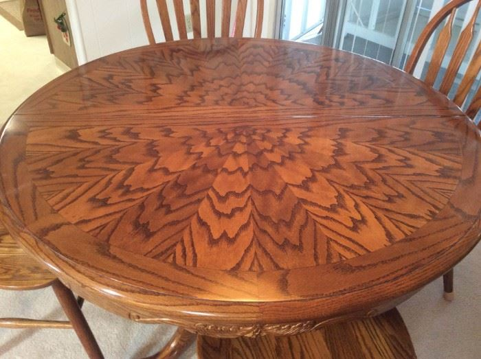 010 Claw Foot Pedestal Table