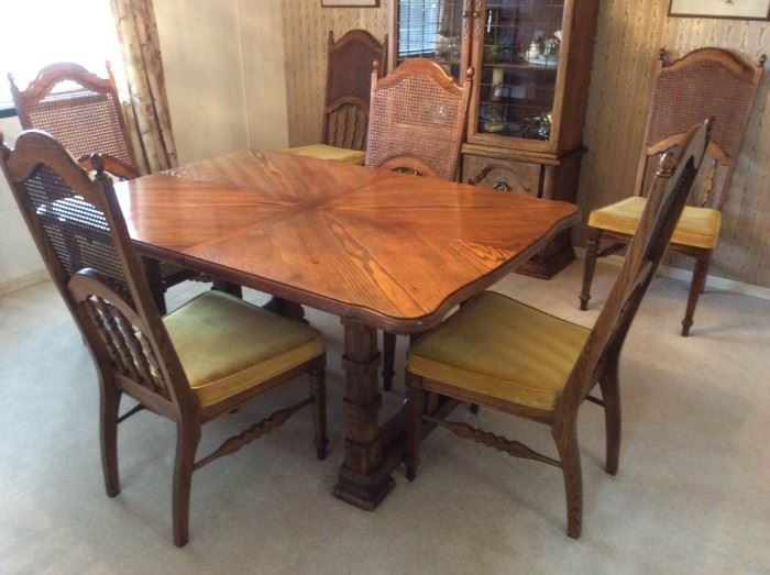 017 Dining Table and Chairs