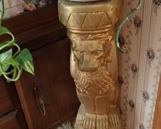 GOLD LION PLANT STAND