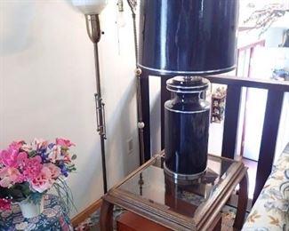 BRASS FLOOR LAMP / BLACK LAMP AND SHADE