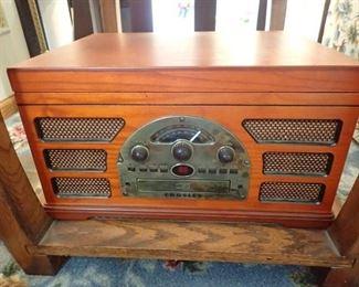 CROSLEY RADIO / RECORD PLAYER