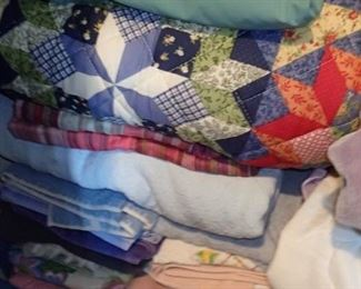QUILTS / BLANKETS