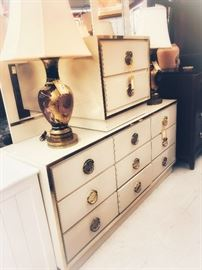 True Treasures bedroom sets