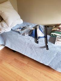 Leggett and Platt adjustable twin bed