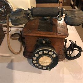 Plentiful amount of vintage telephones