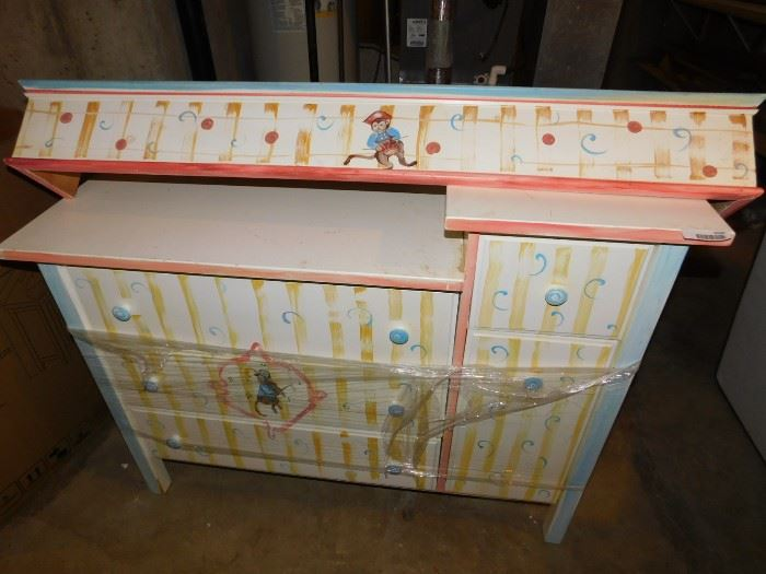 Cornace for child's room