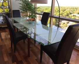 Glass Dining Table with 2 leaves.