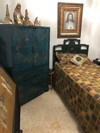 Oriental armoire with 3 drawers