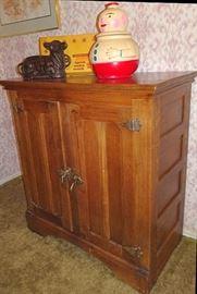 Oak 2 Door Ice Box