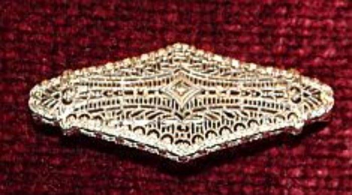 White Gold & Diamond Filigree Pin