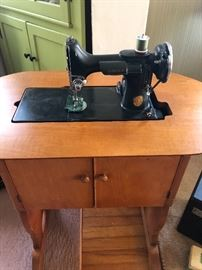 Antique Singer Sewing Machine, wood cabinet