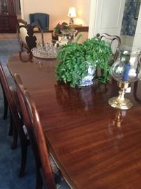 Formal dining table & 8 chairs
