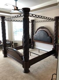 Majestic King size 4 poster canopy bed