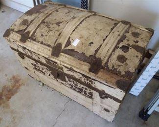 Vintage trunk, with original interior tray.