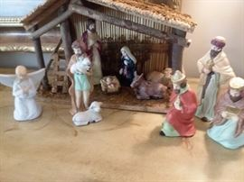 Several nativity sets (including the one pictured). Lots of Christmas decor!