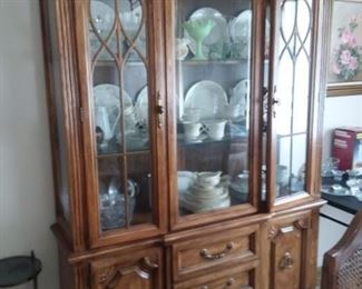 Broyhill fine furniture China Cabinet,  breaks down to two pieces.