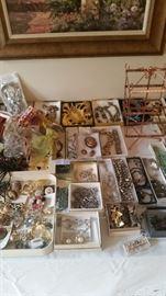 Jewelry sets & earrings
