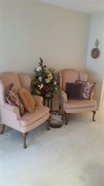 Sherrill Furniture wing-back chairs, decorative pillows, floral, plant stand, basket & magazines
