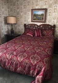 Queen Bed with Tempurpedic Mattress