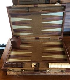 Vintage Travel Backgammon