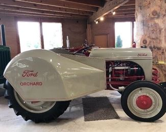 """1942 FORD """"9N ORCHARD"""" TRACTOR"""
