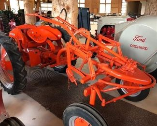 """1949 ALLIS CHALMERS """"G"""" TRACTOR"""