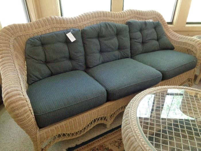 faux wicker, 4 pc group w/cushions