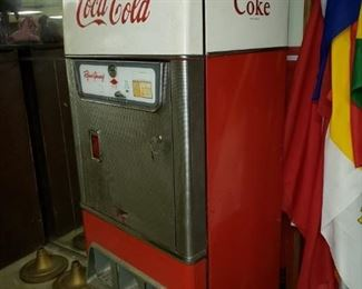 """Vintage Coca Cola machine. """"Cavalier"""""""
