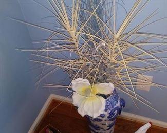 Floor model flower vase