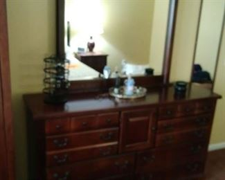Pine bedroom bureau with detachable mirror