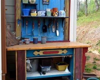 Great potting station!