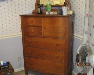 EARLY CENTURY CHEST OF DRAWERS WITH MIRROR