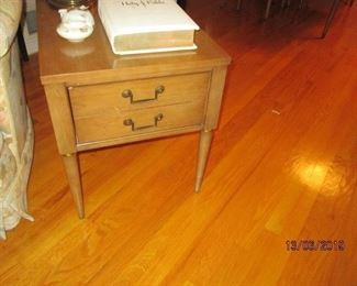 MID CENTURY END TABLES (ONE OF 2)